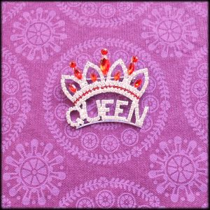 amaranthine_blingbrooch_700_queencrown2